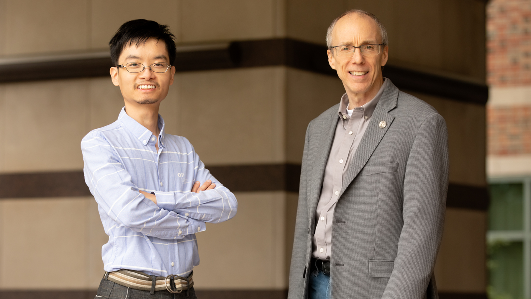 Illinois researchers Yue Liu and Jeffrey Moore