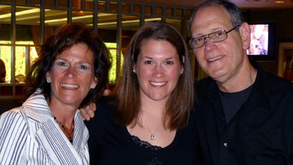 image of student jamie goldberg and her parents