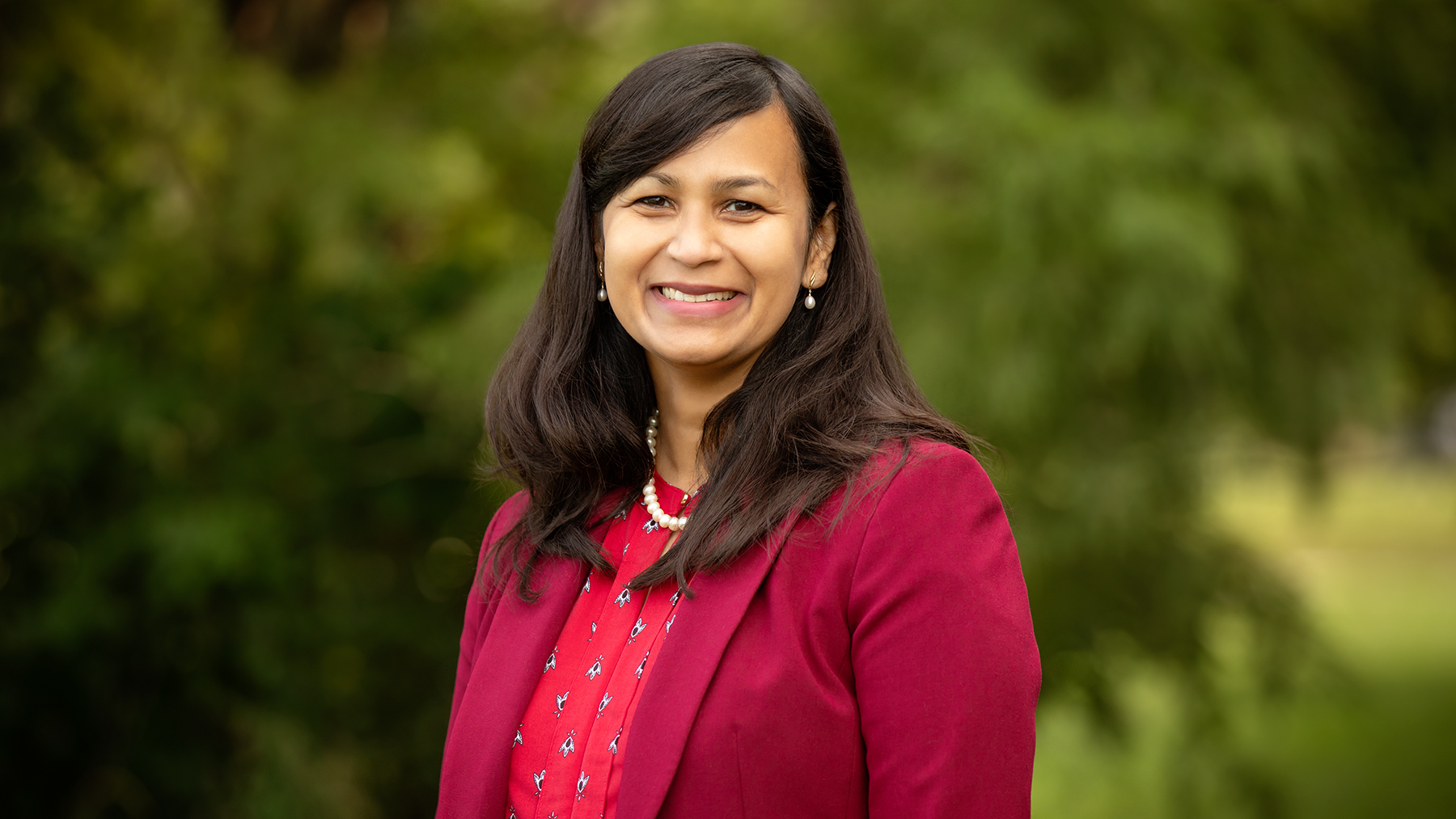 Comparative biosciences professor Aditi Das led a study of modified lipids that target the body's endocannabinoid system, which is involved in regulating pain and inflammation.  Photo by L. Brian Stauffer
