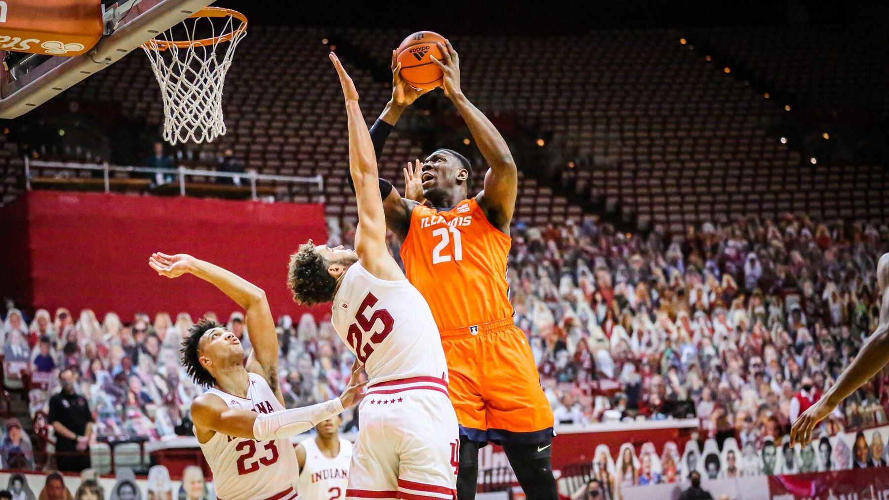 Kofi Cockburn elevated under the basket against Indiana defenders