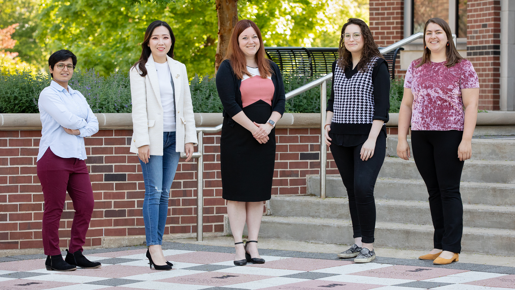 social work professor Rachel Garthe, center. Co-authors of the study were, from left, research biostatistician Amandeep Kaur, Interdisciplinary Health Sciences Institute; and graduate students Shongha Kim, Allyson Blackburn and Agnes Rieger.  Photo by L. Brian Stauffer