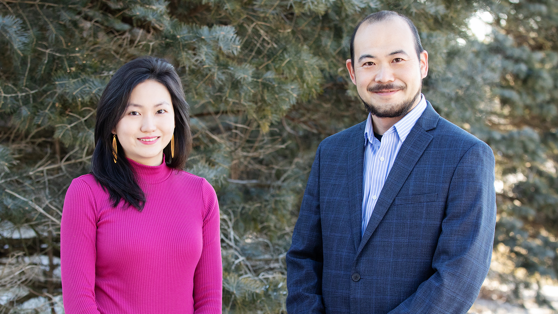 Graduate student Yee Ming Khaw and comparative biosciences professor Makoto Inoue led the study. Photo by Leslie B. Stauffer