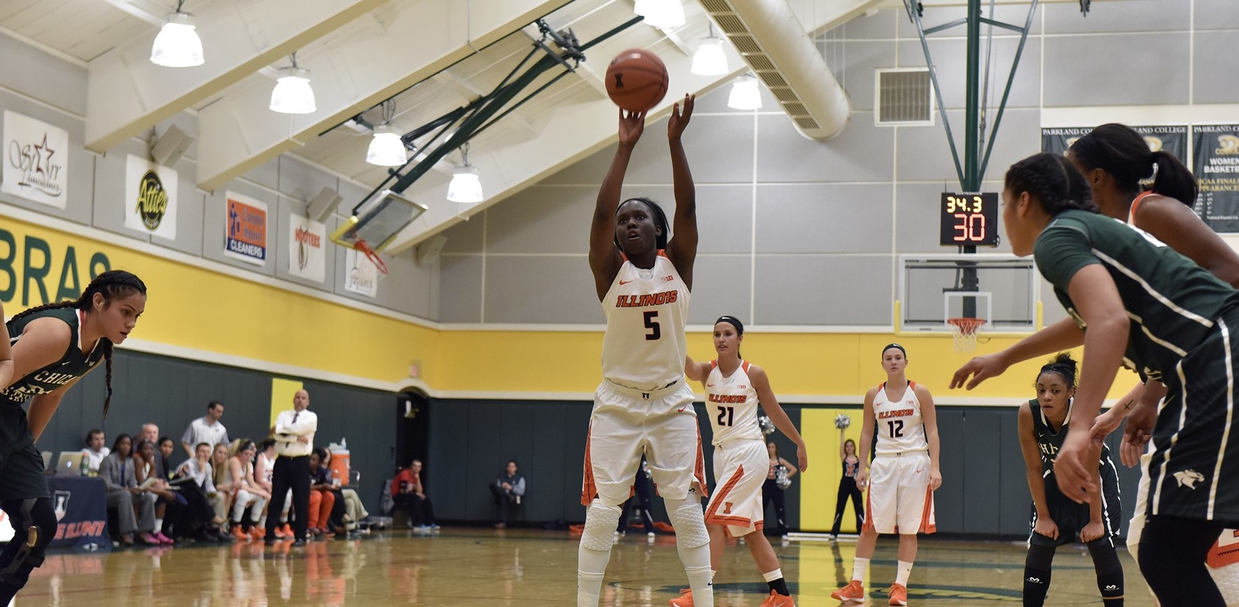 Image of women's basketball player Cierra Rice shooting a free-throw