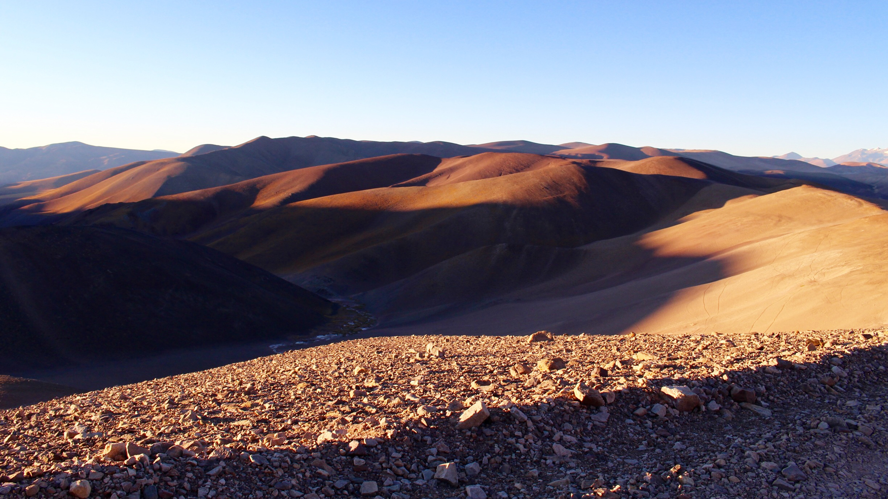 """Image taken along the 90-kilometers """"off-road"""" on the way to Ojos del Salado, Photo by Diana Yates"""