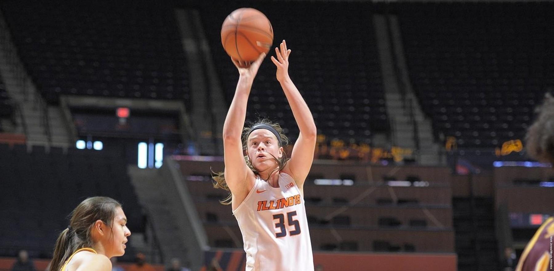 Image of women's basketball player Alex Wittinger