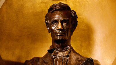 the bust of Lincoln in Lincoln Hall. Photo by L. Brian Stauffer