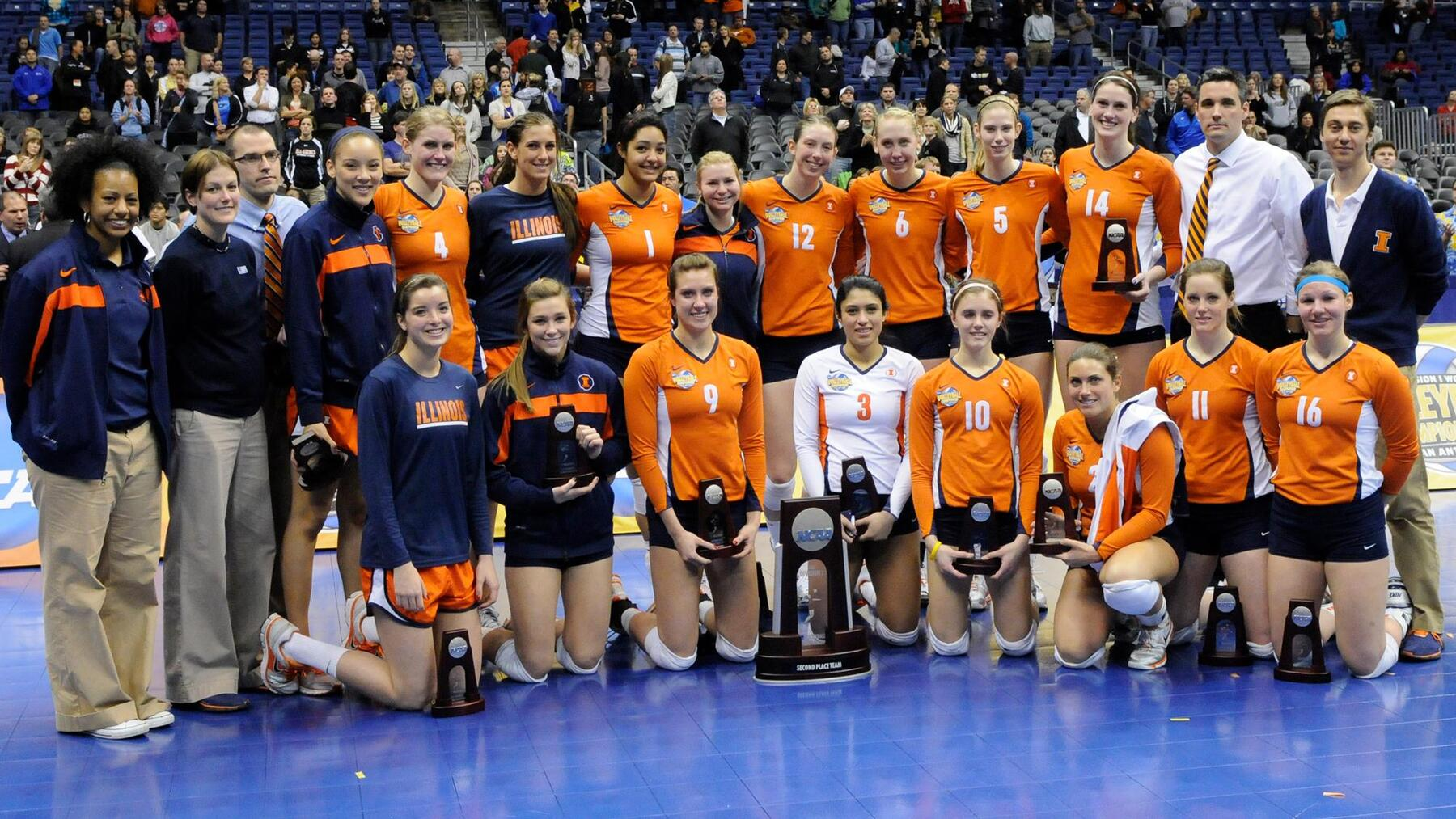 2011 Illini Volleyball team poses with National Runner Up trophies