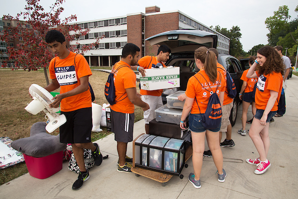 Illinois students moving in | Photo by L. Brian Stauffer