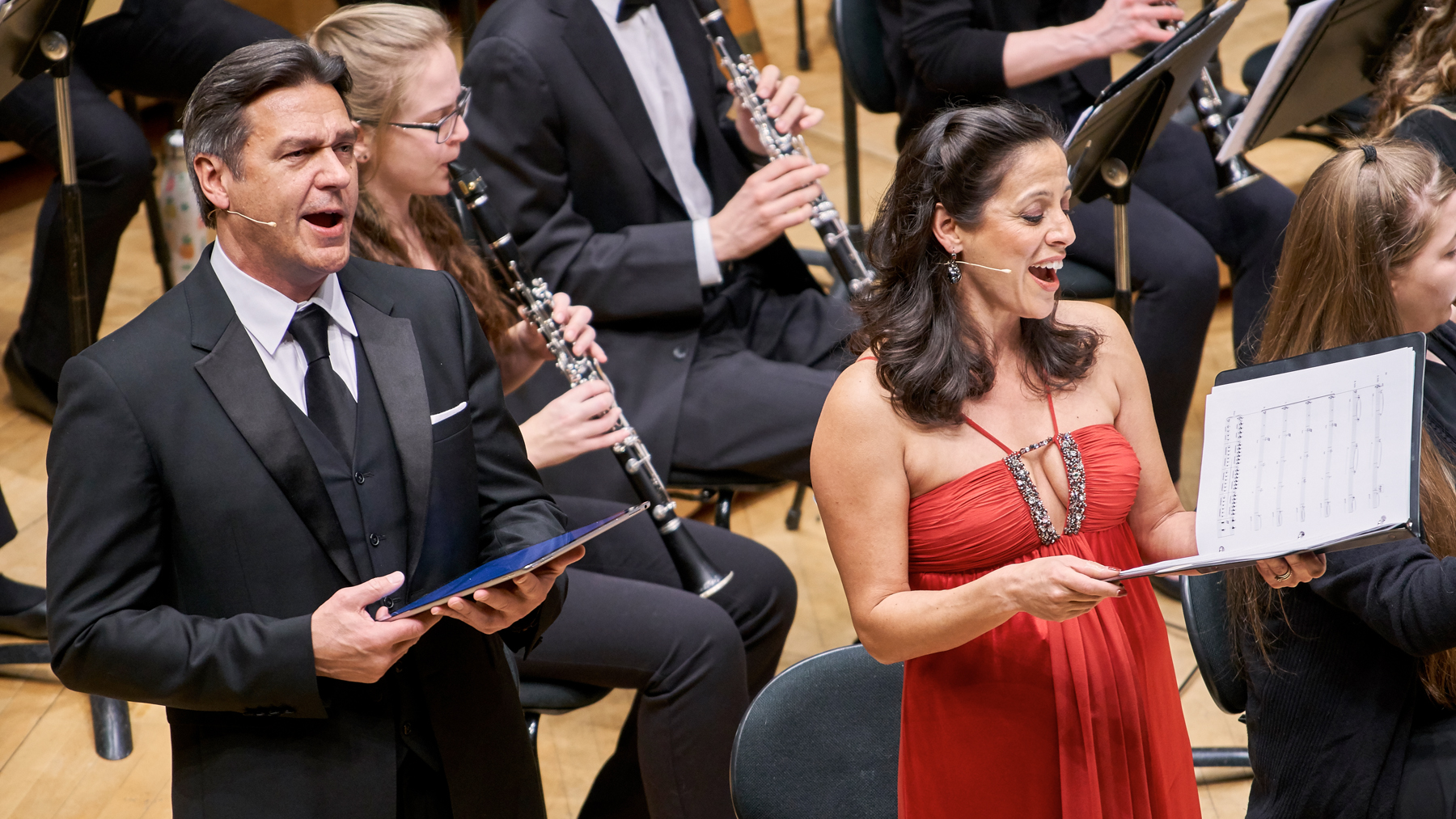 "Baritone Nathan Gunn and soprano Yvonne Redman, both opera singers on the School of Music faculty, sang solo parts at Chicago's ""Gathering"" concert"
