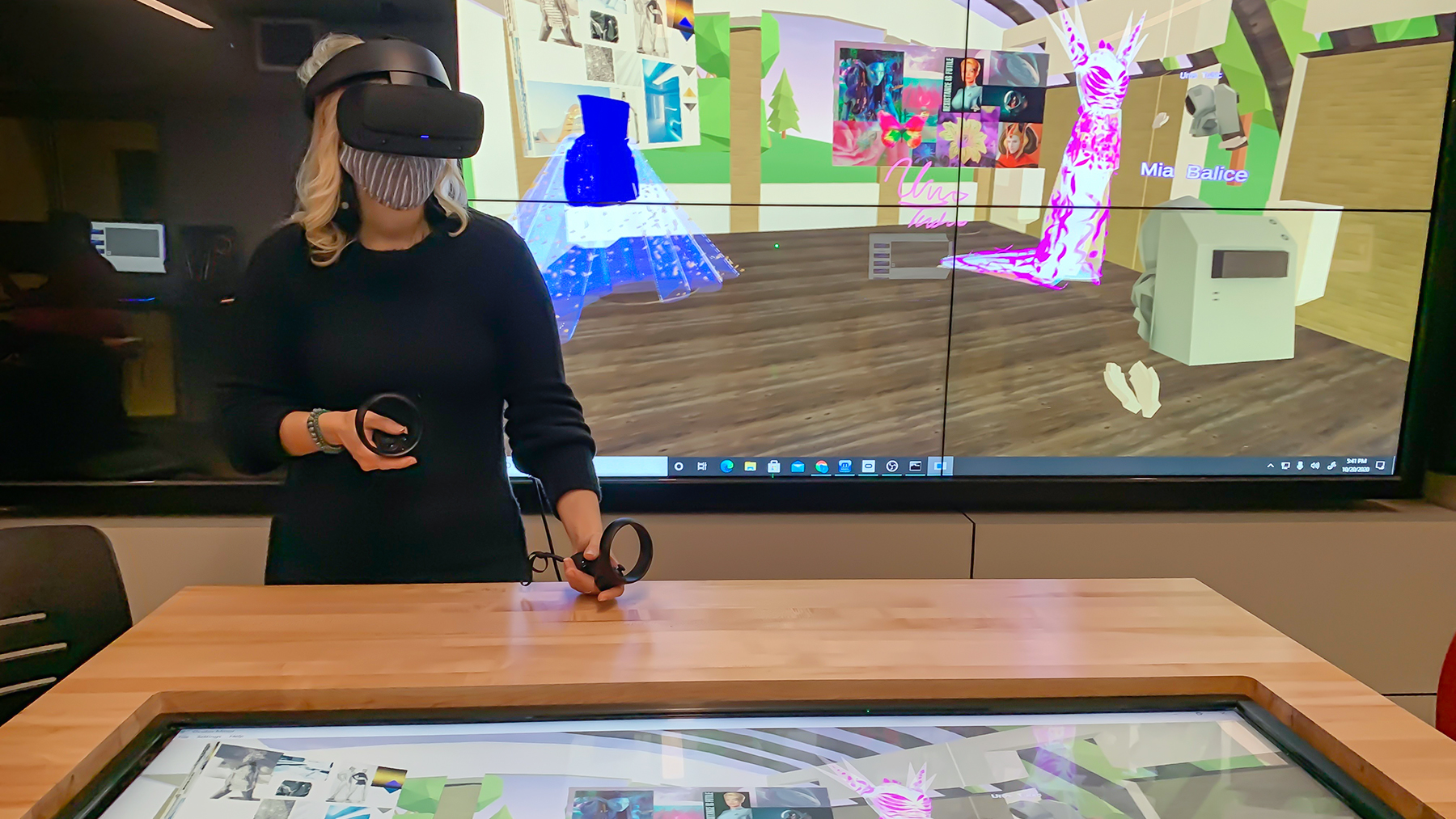 Art professor Chiara Vincenzi uses Komodo, a virtual reality program being developed by the IDEA Lab at Illinois, to offer critiques of dress designs created by her students. Image courtesy CITL Virtual Design Lab