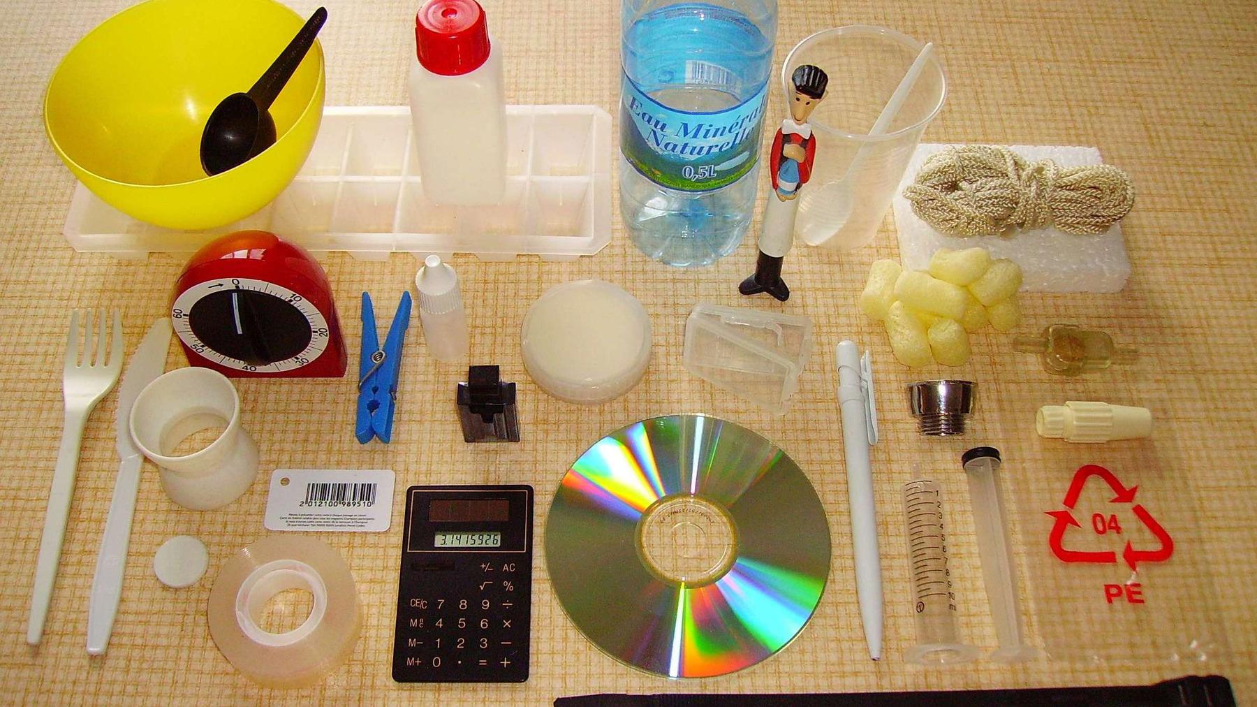 plastic objects via Wikimedia Commons