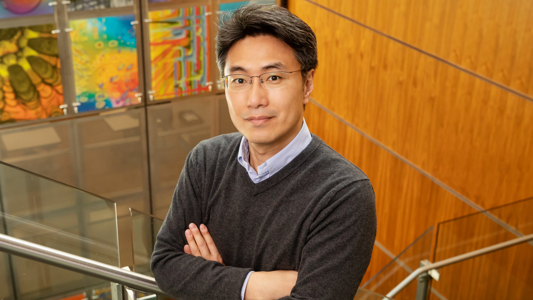 Professor Yong-Su Jin led a team that engineered a strain of yeast to produce the low-calorie natural sweetener tagatose from lactose. Photo by Brian Stauffer