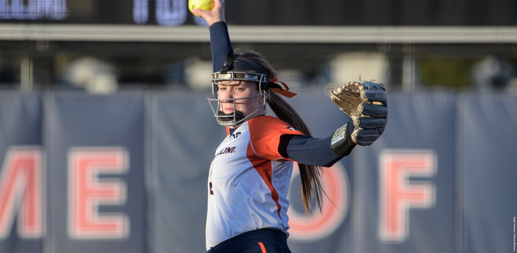 an Illini pitcher in her wind-up
