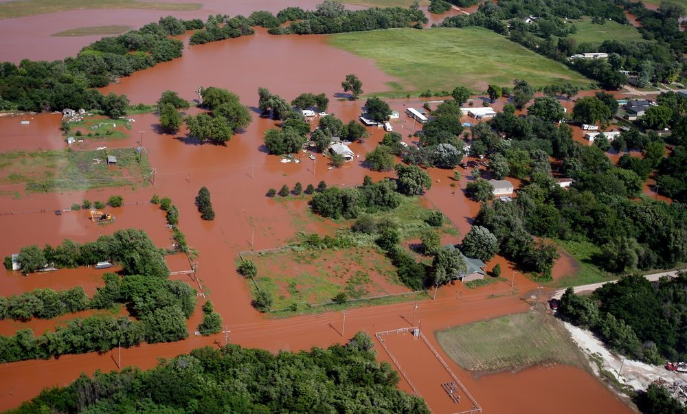 flooded fields in Kingfisher, Oklahoma. Photo by Bloomberg