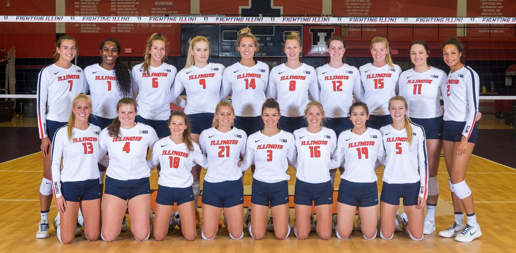 2019 team photo of the Illini Volleyball team