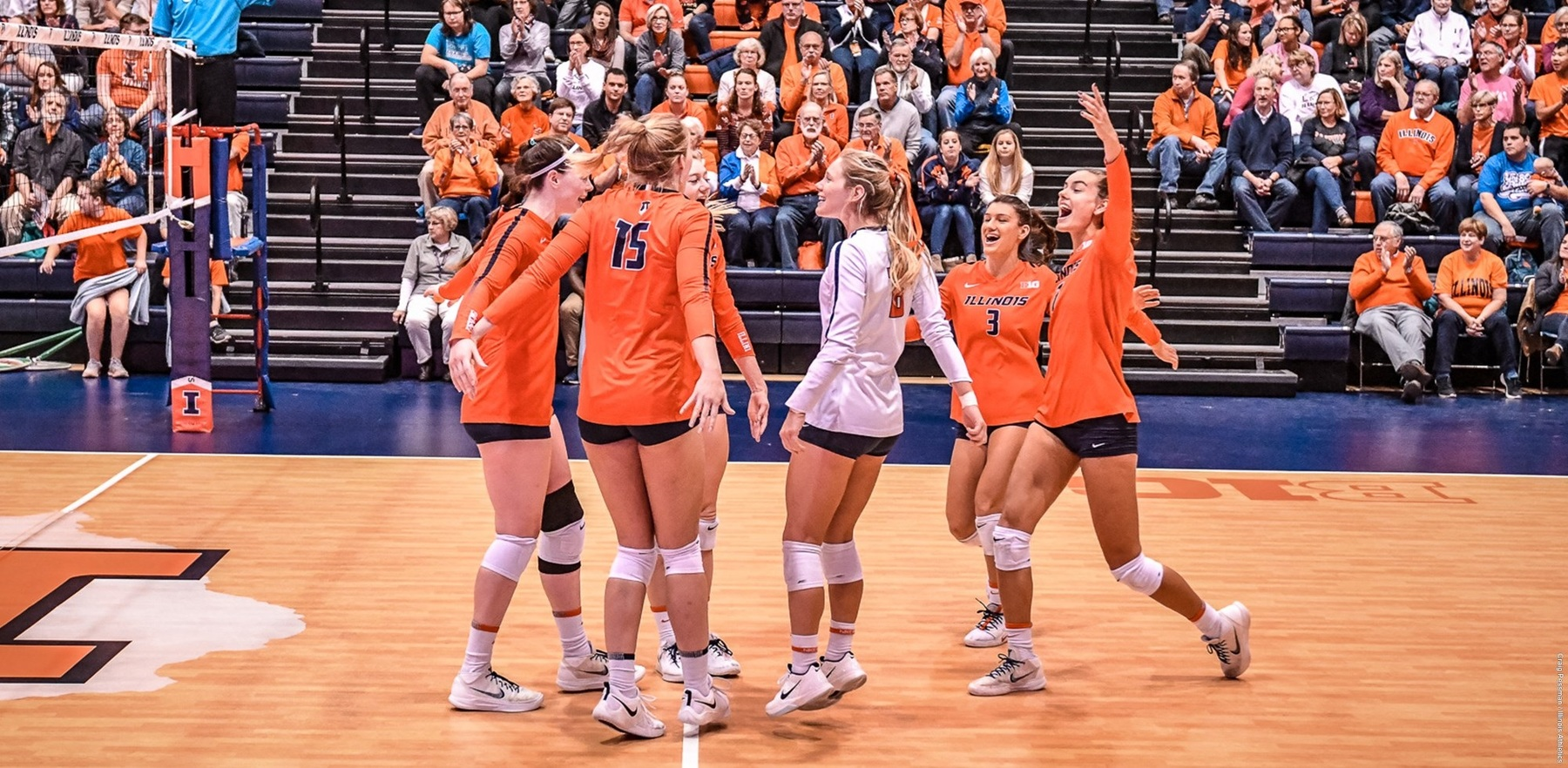 Illini volleyball players rejoice on their home court