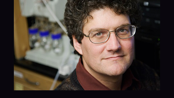 Jonathan Sweedler has led research in the fight against schistosomiasis, a parasitic disease.