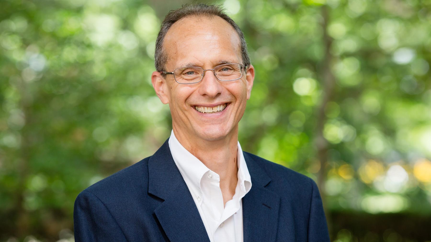 labor expert Robert Bruno.  Photo by L. Brian Stauffer