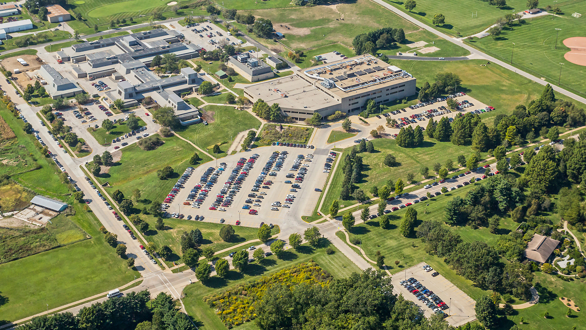 aerial view of the College of Veterinary Medicine campus at Illinois
