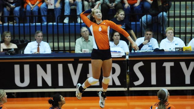 Bartch-Hackley swinging at the net as an Illini player