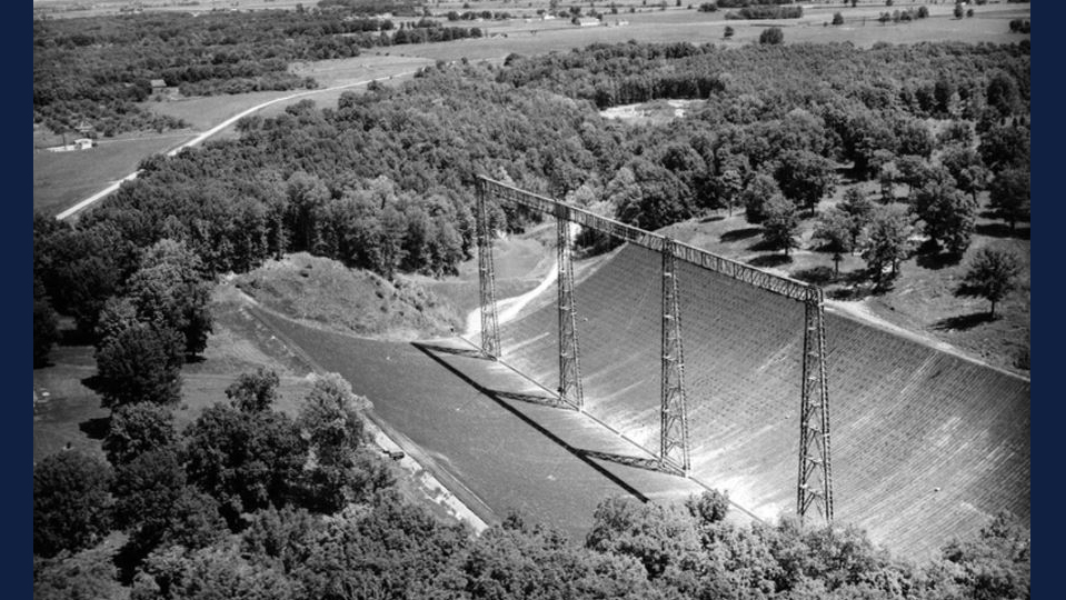 THE RADIO TELESCOPE AT THE VERMILLION RIVER OBSERVATORY, NEAR DANVILLE, ILLINOIS. IMAGE: UNIVERSITY OF ILLINOIS