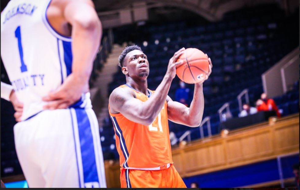 Kofi Cockburn prepares to shoot a free throw against Duke