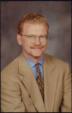 CBS News correspondent - and Champaign native - Bill Geist will speak at both commencement ceremonies May 15 at Illinois.