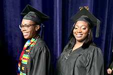 More than 1,000 students graduate from UIS